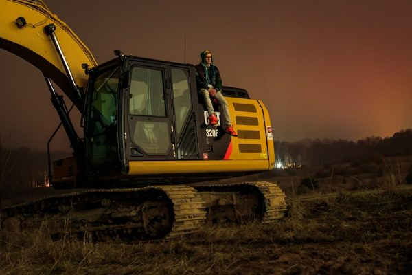 Caterpillar Reports Improved Quarter Earnings- Raises Supply Chain Issues