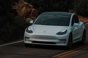 Tesla's Employees To Boost Deliveries
